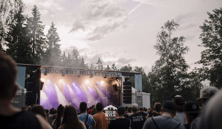 Rock The Hill Musikfestival am Abend